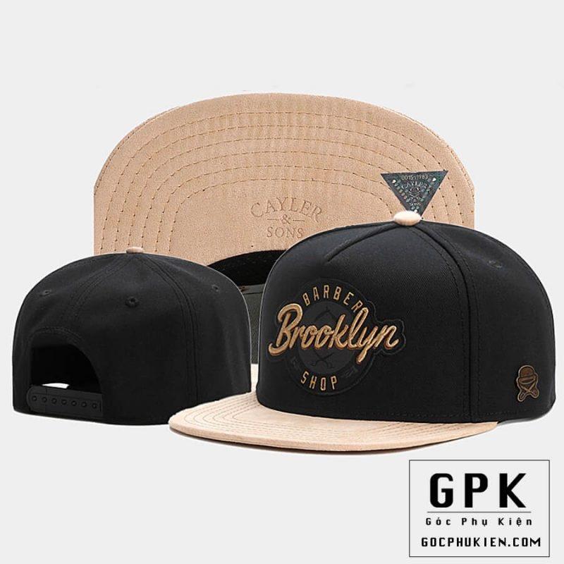 Mũ snapback màu đen